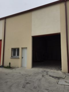 Entrepôt 115 M²