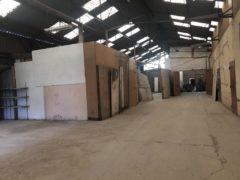 Local d''activités / Industriel 650 m² à Houilles  5 000 €