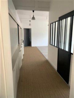 Bureau / Local professionnel 175 m² à SAINT DENIS  1 300 €
